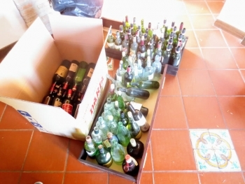 Empty wine bottles found at Fonte Martino
