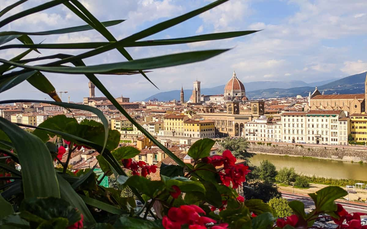 florence_italy_duomo_and_arno_river