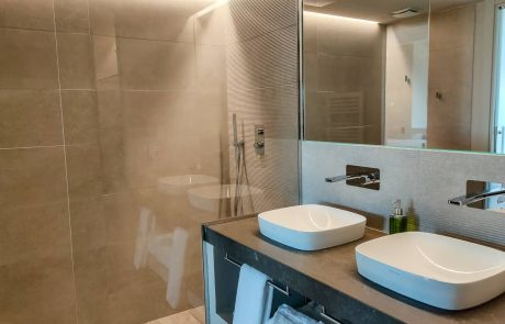 cortona-suite-private-bath-1