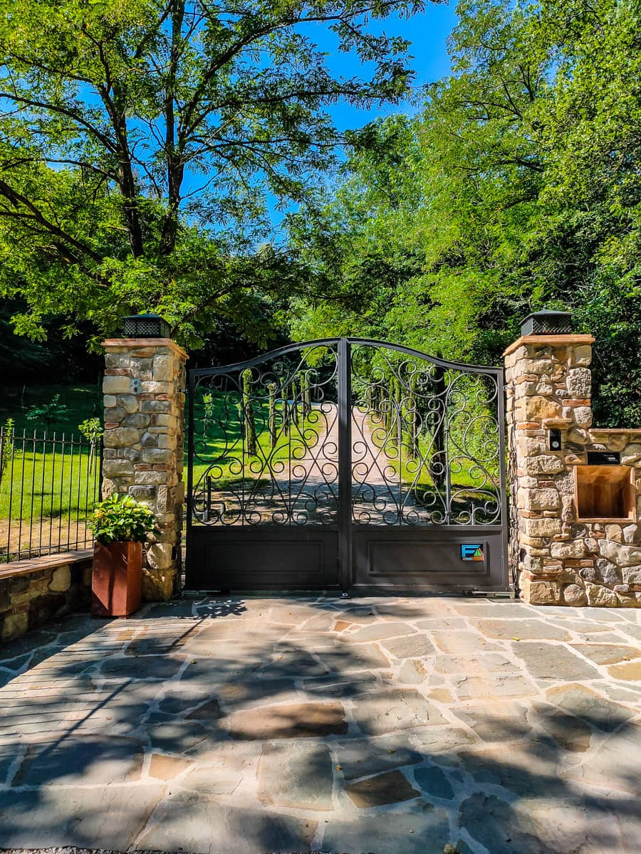 fonte-martino-entrance-iron-gate-in-tuscany